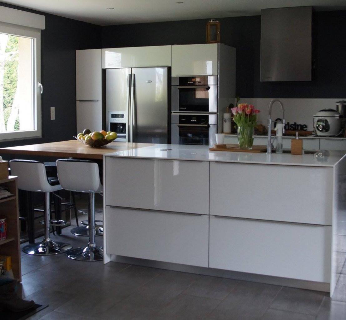 cuisine sagne mod le modum blanc brillant. Black Bedroom Furniture Sets. Home Design Ideas